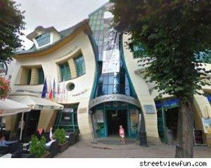 curvy-building